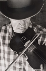 Tim Barnwell  -  Byard Ray Playing Fiddle, Ashevlle, Buncombe County, NC, 1978 / Silver Gelatin Print  -  20 x 16