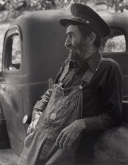 Tim Barnwell  -  Charlie Thomas, Walnut, Madison County, NC, 1981 / Silver Gelatin Print  -  11 x 14