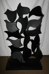 David Hayes  -  Screen Sculpture #69, 1995 / Painted Steel  -  65V x 37 x 19