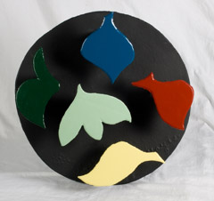 David Hayes  -  Round Relief, 1998 / Painted Steel  -  20 x 20.5 x 4