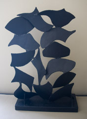 David Hayes  -  Screen Sculpture #68, 1995 / Painted Steel  -  56V x 36 x 14