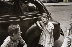 Helen Levitt  -  New York, Girl Crying, 1940 / printed later  -  11x 7.5