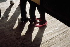 Vivian Maier  -  Chicago, 1984 (pink shoes) / Chromogenic Print  -  10 x 15 (on 16x20 paper)