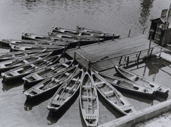 Alexander Rodchenko  -  Boats on the Moscow River, 1926 / Silver Gelatin Print  -  8.5x7