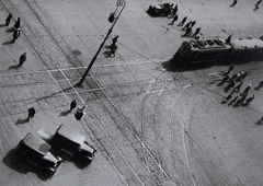 Alexander Rodchenko  -  Turn of the Street Car Line, 1932 / Silver Gelatin Print  -  7x8.5