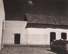 Paul Strand  -  Plaza, State of Puebla, 1933 / Photogravure  -