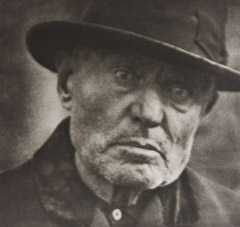 Paul Strand  -  Man, Five Poins Square, New York, 1916 / Photogravure  -  10x9.5