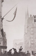 -  Fifth Avenue, New York, NY, 1915 / Photogravure  -  12.25 x 8