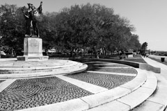 Tim Barnwell  -  2227, Statue memorial to Confederates, the Battery, Charleston, SC /   -