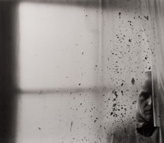 Arnold Newman  -  Willem de Kooning, NY, 1959 / Silver Gelatin Print  -  9.75 x 11.25