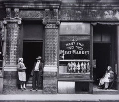 Jules Aarons  -  West End Meat Market, Boston / Silver Gelatin Print  -  9 x 10.5