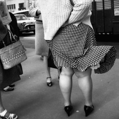 Vivian Maier  -  May 27, 1970, Chicago, IL / Silver Gelatin Print  -  12 x 12