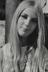 Ruth-Marion Baruch  -  Blonde Woman with Beads, Haight Ashbury, 1967 / Silver Gelatin Print  -  8 x 10