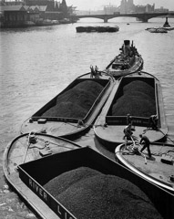 Wolf Suschitzky  -  Coal Barges on the Thames, London, 1951 / Silver Gelatin Print  -  12 x 16