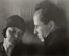 Imogen Cunningham  -  Edward Weston and Margrethe Mather, 1923 (not published image) / Silver Gelatin Print  -  7.5 x 8.25 - IC89