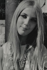 Ruth-Marion Baruch  -  Blonde Woman with Beads, Haight Ashbury, 1967 / Silver Gelatin Print  -