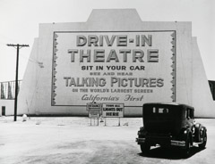 John Gutmann  -  First Drive-In Theatre. Los Angeles, 1935 / Silver Gelatin Print  -  8x10