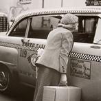 Helen Levitt, Woman and Taxi